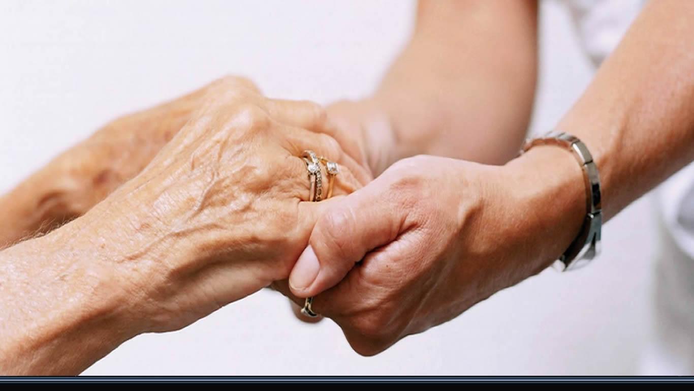 Risultati immagini per anziani