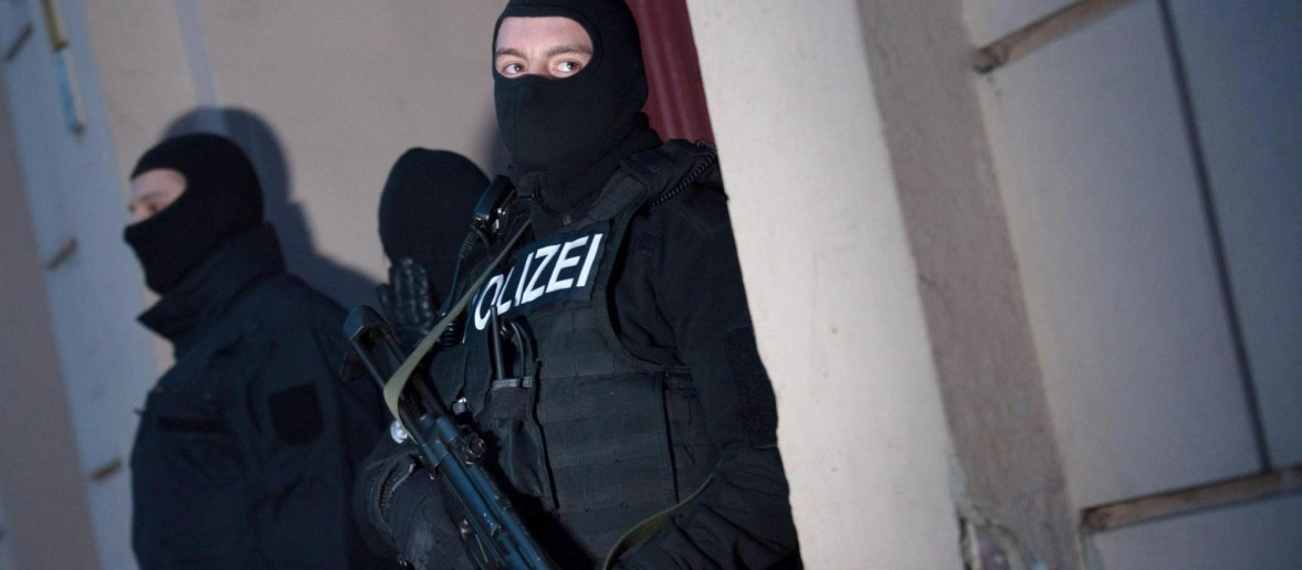 Tre sparatorie nel centro di Parigi e vari feriti