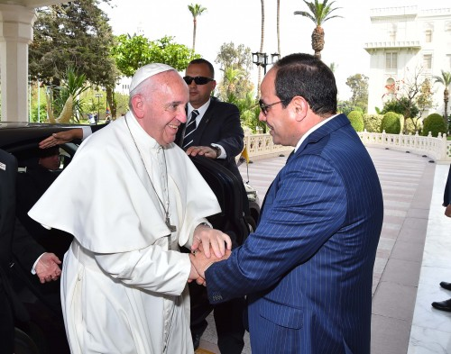 pope francis and president el sisi  7