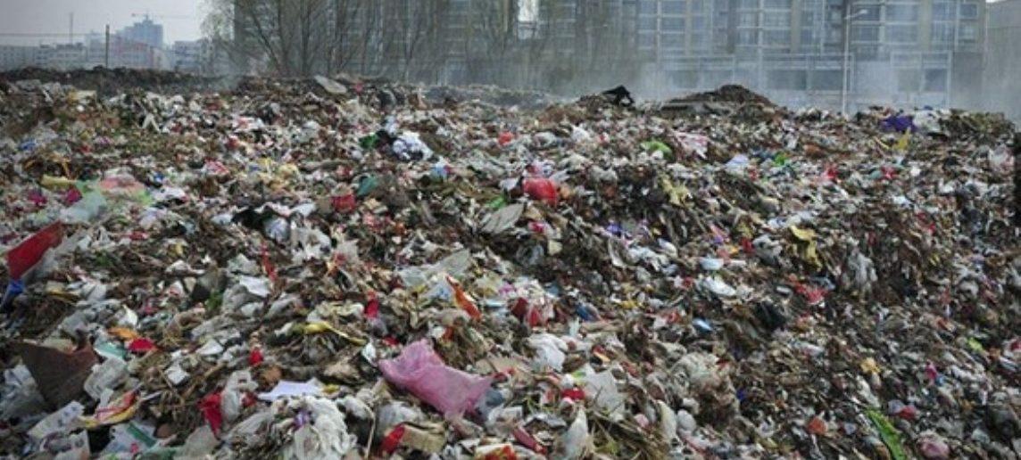 Cina ferma la raccolta indiscriminata della spazzatura del mondo